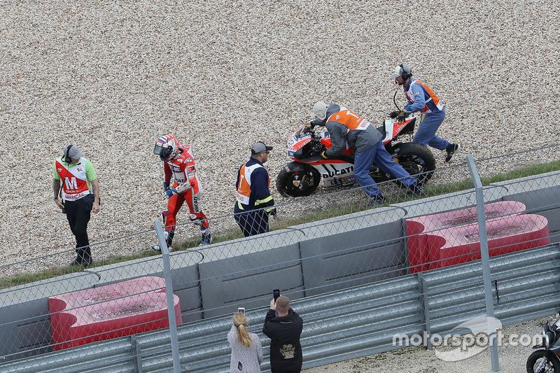 Andrea Dovizioso, Ducati Team, choque