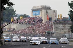 The start of the race, Ralf Schumacher, Laureus AMG Mercedes C-Klasse leads Jamie Green, Junge Sterne AMG Mercedes C-Klasse and Bruno Spengler, Mercedes-Benz Bank AMG C-Klasse