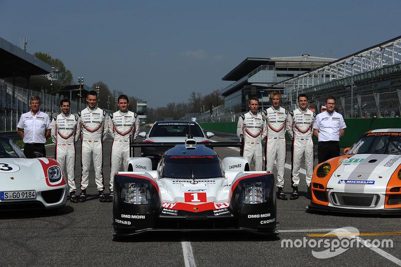 Andreas Seidl, Porsche Team, Teamchef; Fritz Enzinger, Porsche Team, LMP1-Leiter; Timo Bernhard, Earl Bamber, Brendon Hartley, Neel Jani, Andre Lotterer, Nick Tandy, Porsche Team