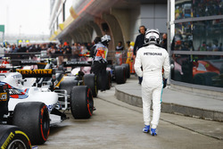 Valtteri Bottas, Mercedes AMG, im Parc Ferme