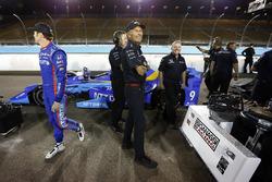 Legendary Scott Dixon, Chip Ganassi Racing Honda crewman Kenny Symanski