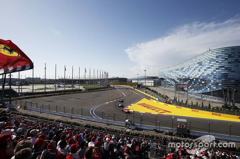 Valtteri Bottas, Mercedes AMG F1 W08 , Felipe Massa, Williams FW40, Sebastian Vettel, Ferrari SF70H