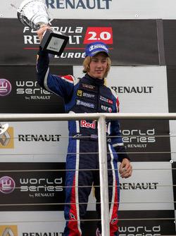 Брендон Хартли, Epsilon Red Bull Team на подиуме