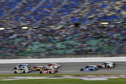 Dale Earnhardt Jr., Hendrick Motorsports Chevrolet, Michael McDowell, Leavine Family Racing Chevrolet