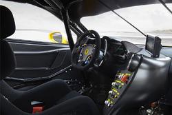 مقصورة قيادة سيارة فيراري تشالينج 488