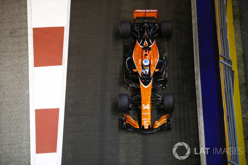 2017. Подписание контракта с McLaren
