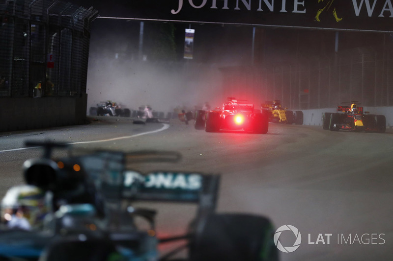 Sebastian Vettel, Ferrari SF70H kaza yapıyor