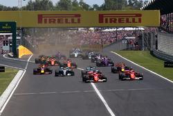 Sebastian Vettel, Ferrari SF70-H líder en la arrancada