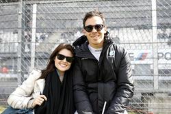 Robert Wickens, Mercedes-AMG Team HWA, Mercedes-AMG C63 DTM, mit Freundin