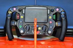 Il volante della McLaren MCL32