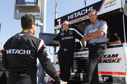 Helio Castroneves, Team Penske Chevrolet, mit Jon Bouslog