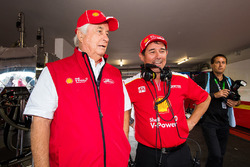 Roger Penske team owner, Ludo Lacroix engineering director