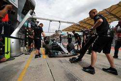 Valtteri Bottas, Mercedes-Benz F1 W08  makes a practice pitstop