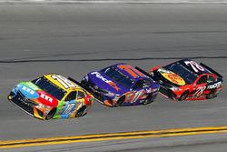 Kyle Busch, Joe Gibbs Racing Toyota, Denny Hamlin, Joe Gibbs Racing Toyota and Martin Truex Jr., Furniture Row Racing Toyota