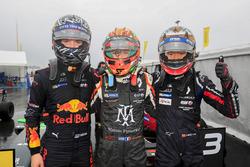 Il vincitore della gara Sacha Fenestraz, Josef Kaufmann Racing, il secondo classificato Dan Ticktum, Arden Motosport, il terzo classificato Yifei Ye, Josef Kaufmann Racing