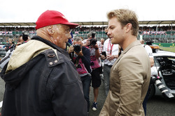 Niki Lauda, Non-Executive Chairman, Mercedes AMG F1, talks to Nico Rosberg
