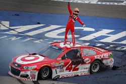 A győztes Kyle Larson, Chip Ganassi Racing Chevrolet