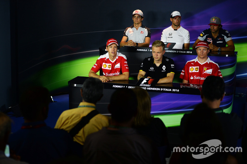 The FIA Press Conference (From back row (L to R)): Esteban Gutierrez, Haas F1 Team; Jenson Button, McLaren; Carlos Sainz Jr., Scuderia Toro Rosso; Sebastian Vettel, Ferrari; Kevin Magnussen, Renault Sport F1 Team; Kimi Raikkonen, Ferrari