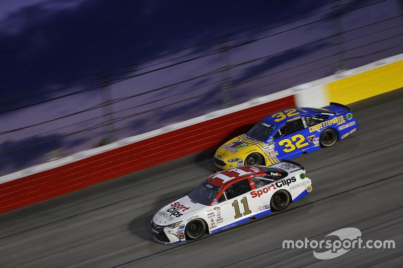 Denny Hamlin, Joe Gibbs Racing Toyota, Jeffrey Earnhardt, Go Green Racing Ford