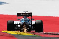 Искры из-под машины Фелипе Массы, Williams FW38