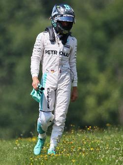 Авария Нико Росберга, Mercedes AMG F1 W07 Hybrid во время тренировки