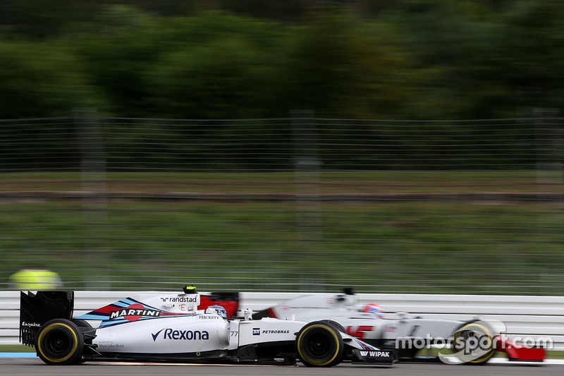 Valtteri Bottas, Williams F1 Team and Romain Grosjean, Haas F1 Team