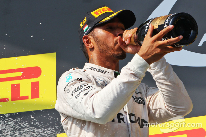 Podium: winner Lewis Hamilton, Mercedes AMG F1 Team celebrates on the podium