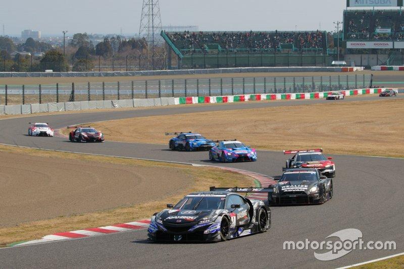 SUPER GT track action