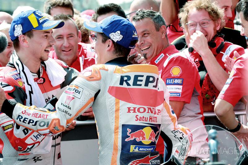 Ganador de la carrera Jorge Lorenzo, Ducati Team, 2º Marc Marquez, Repsol Honda Team