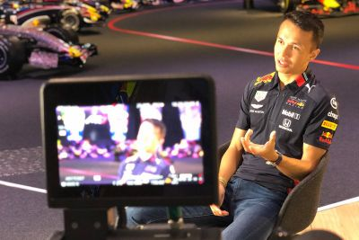 Annuncio Albon Red Bull Racing