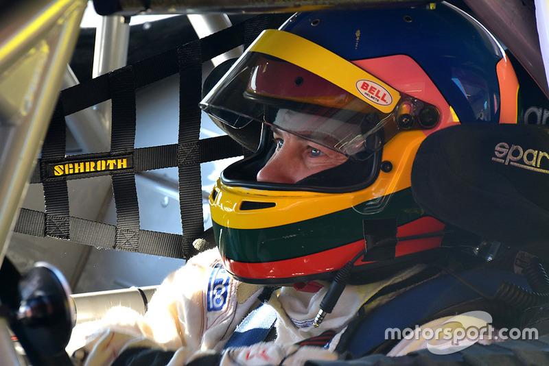 Жак Вильнев, тесты Ford Mustang