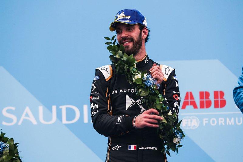 Jean-Eric Vergne, DS TECHEETAH, festeggia il secondo posto, sul podio