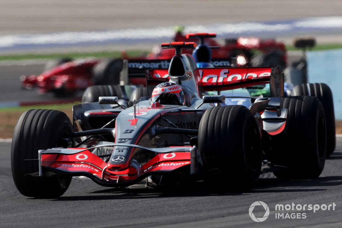 Fernando Alonso, McLaren Mercedes MP4/22