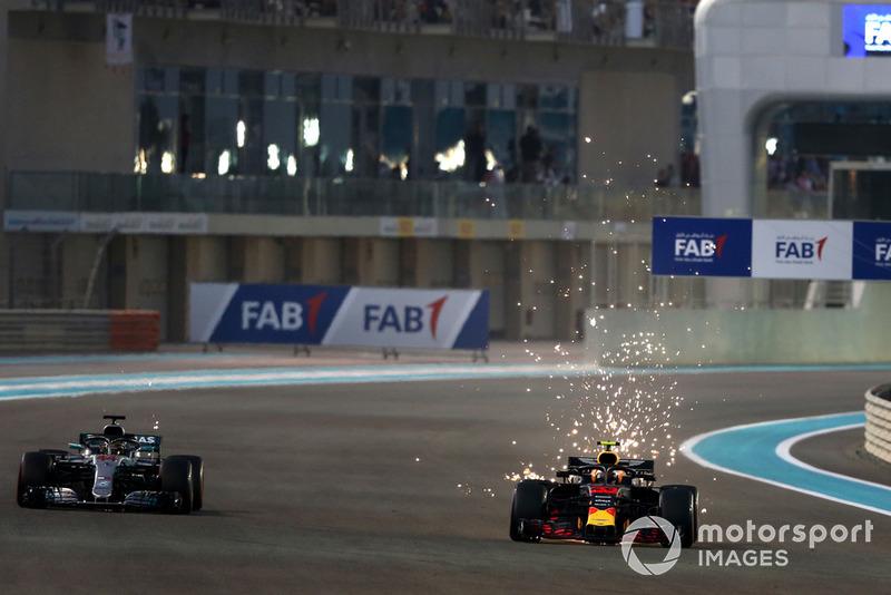 Lewis Hamilton, Mercedes AMG F1 W09 EQ Power+ y Max Verstappen, Red Bull Racing RB14
