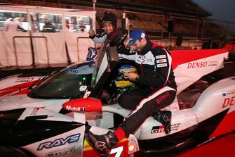 Winnaars #7 Toyota Gazoo Racing Toyota TS050: Mike Conway, Kamui Kobayashi, Jose Maria Lopez
