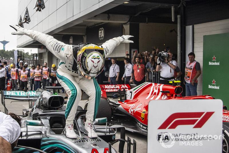 Lewis Hamilton, Mercedes AMG F1 W09 EQ Power+ celebrates in Parc Ferme