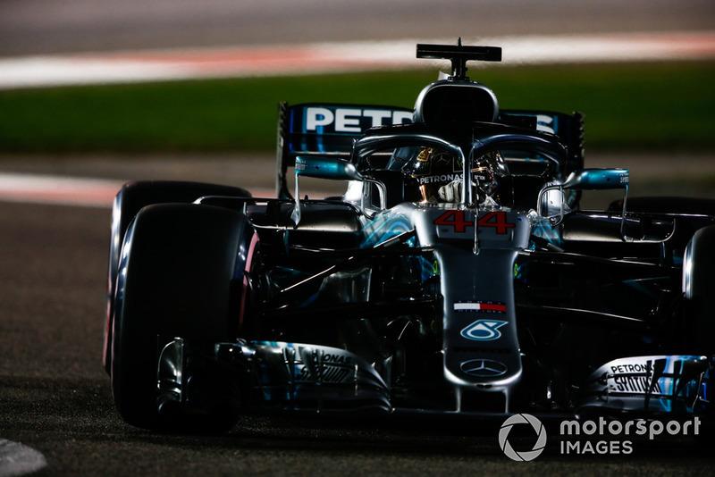 1: Lewis Hamilton, Mercedes AMG F1 W09, 1'34.794