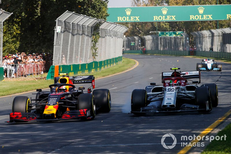 Pierre Gasly, Red Bull Racing RB15, Antonio Giovinazzi, Alfa Romeo Racing C38