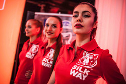 Hot Silk Way Rally girls