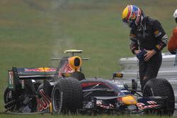 Craash: Mark Webber, Red Bull Racing RB3