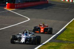 Lance Stroll, Williams FW40, Stoffel Vandoorne, McLaren MCL32