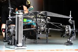 Передняя подвеска и шасси Mercedes-Benz F1 W08