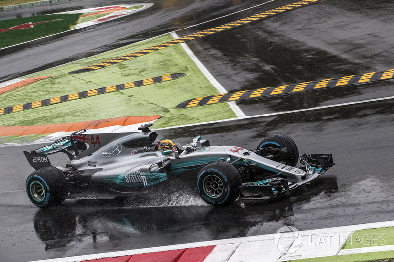 1: Lewis Hamilton, Mercedes-Benz F1 W08
