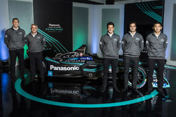 James Barclay, Team Director, Jaguar Racing, Gerd Mäuser, Chairman, Panasonic Jaguar Racing, Mitch Evans, Nelson Piquet Jr, Ho-Pin Tung