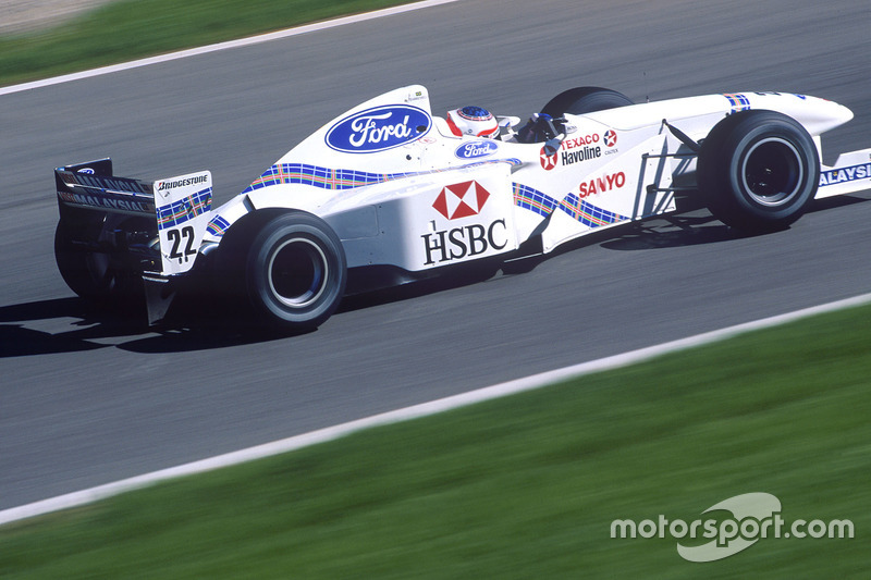 #22 : Rubens Barrichello, Stewart SF-1
