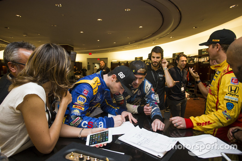 Alexander Rossi y Scott Speed