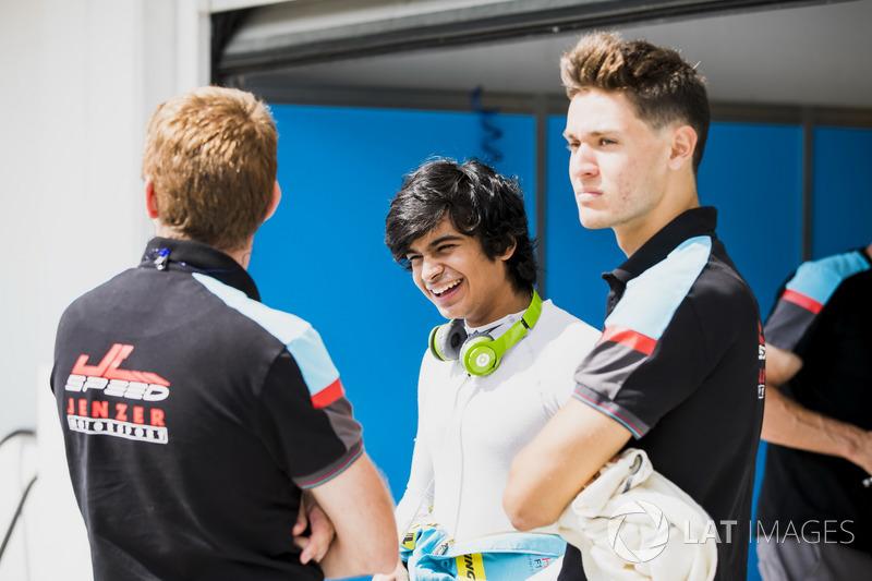 Arjun Maini, Jenzer Motorsport; Alessio Lorandi, Jenzer Motorsport