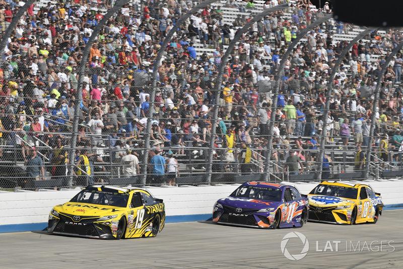 Daniel Suárez, Joe Gibbs Racing, Toyota;, Denny Hamlin, Joe Gibbs Racing, Toyota; Kyle Busch, Joe Gibbs Racing, Toyota