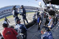 Kasey Kahne, Hendrick Motorsports Chevrolet crew