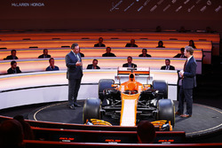 Zak Brown, Executive Director of McLaren Technology Group, talks to presenter Simon Lazenby on stage at the Launch of the MCL32. World Copyright: Steven Tee/LAT Images Ref: _O3I4947